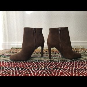 Women's size 5.5 brown ankle bootie